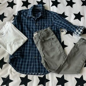 Gap button down shirt size 5 •NWT•